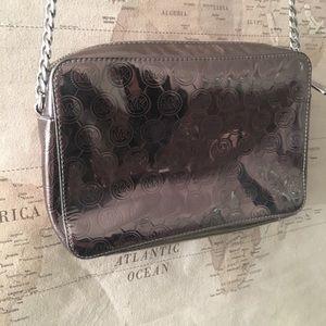 Michael Kors Bags - MAKE AN OFFER🖤Michael Kors Crossbody Purse